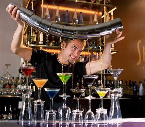 Каждый бар определяет состав необходимых принадлежностей исходя из своей направленности