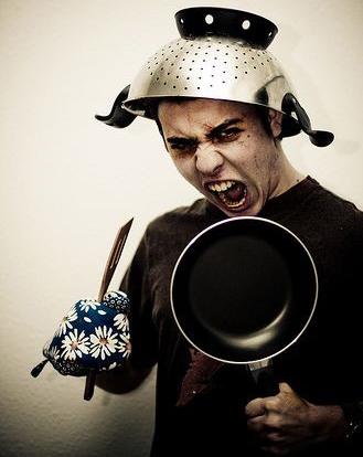На кухне нужно не воевать с опасной посудой, а получать удовольствие от готовки