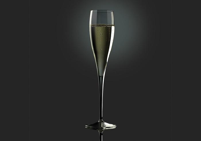 >Правильная форма бокала для игристых вин