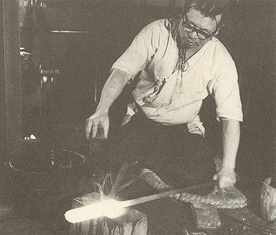 После плавления сталь тамахаганэ требует серьезной доработки кузнецом